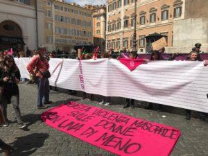 le 150mila firme alla petizione contro il Ddl Pillon