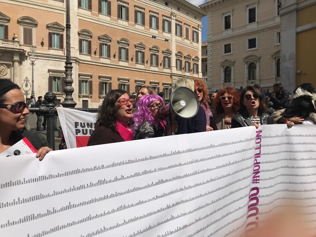 le prime 150mila firme alla petizione contro il Ddl Pillon